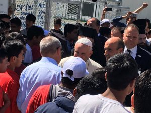 Pontifex at the refugee camp Lesvos, ED @EASO welcoming the Pope